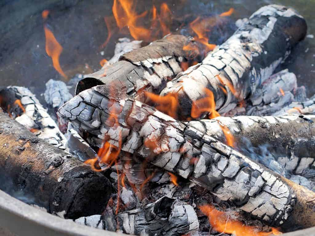 How To Start A Fire Pit Wood Burning Backyard Toasty